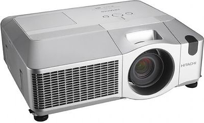 Hitachi Digital Multimedia LCD Projector 1024 x 768 4000 Lumens 1000:1 (CP-X605)