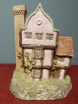 1985 Hand Painted SUFFOLK HOUSE by David Winter ~ Made in Great Britain