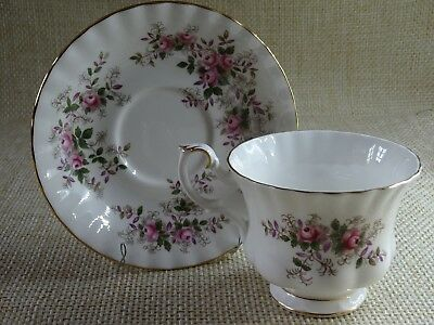 Royal Albert Lavender Rose pretty teacup and saucer vintage tea party wedding