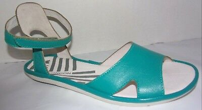 51fe869e1ea FLY LONDON MAFI Mousse Verdigris Green Leather Sandals EU 38
