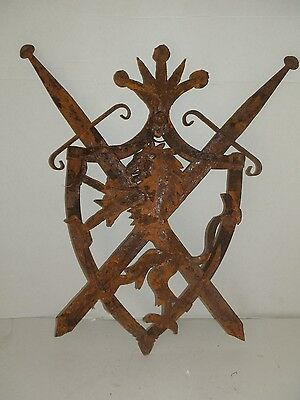 Scudo With Spade Crossed Medieval Wall For Castles Or Palace Storico