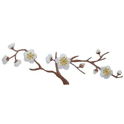 Large White Quince Blossoms/Flowers Iron On Embroidered/Applique Patch