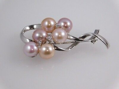14k White Gold Pearl Cluster Brooch Pin with Tiny Diamond Accent