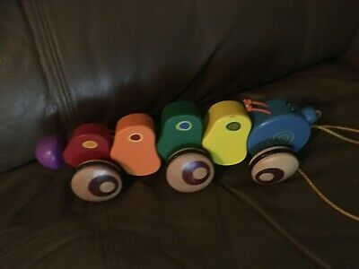 WOODEN CATTERPILLAR COLOURFUL PULL ALONG TOY FREE POST (To1)