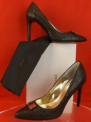 aca215ddf40b Nib Gianni Versace Dark Brown Ostrich Leather Metal Plate Classic Pumps 39   1410