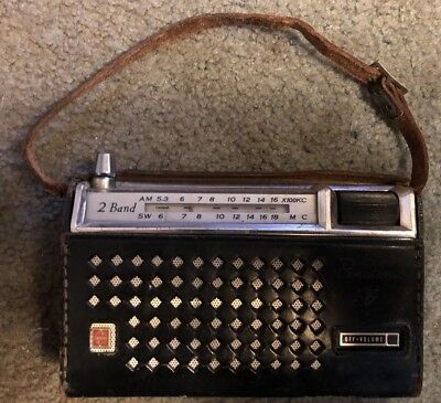 1960s Panasonic Matsushita 8 2 band transistor Radio With Leather Case