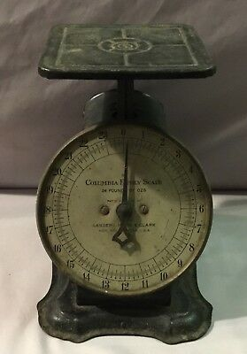 Columbia Family Scale Landers, Frary and Clark 24 Pounds - 1907