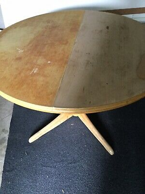 Vintage Round Pine Pedestal Table With Extension Leaves.
