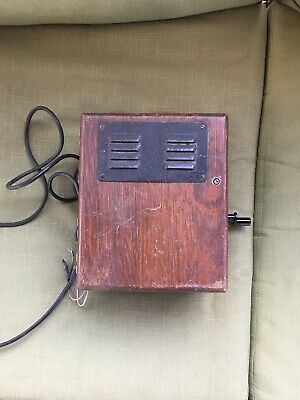 Antique or Vintage Leich Wooden Crank Telephone Ringer Box With 5 Bar Magneto