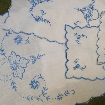 Vintage Tablecloth Runner Doilies Table Cloth Set 4 White Blue Embroidered 1940s
