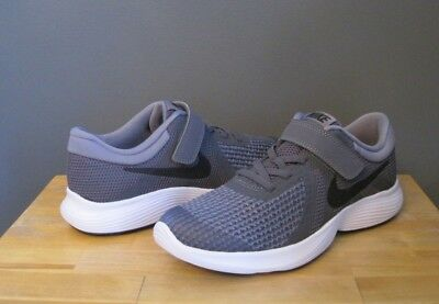 52ed352843fe3 Nike Little Kid Boy Dk Cool Grey Black Revolution 4 PSV Sneaker US 2.5 NWB