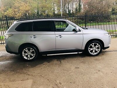 Mitsubishi outer lands 2014 7 seater AUTOMATIC