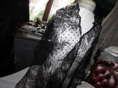 Antique Beautiful  French Chantilly Lace Victorian Black Mantilla Scarf