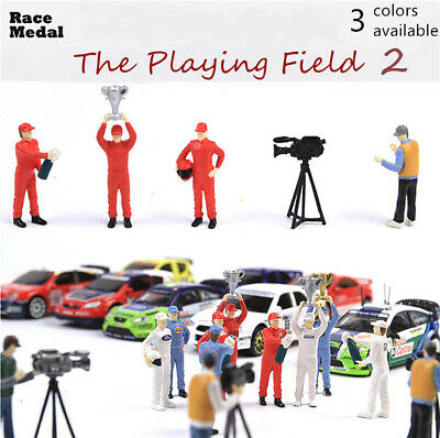 Race Medal 1:64 The playing field 2 figure Scenario Model Set For Matchbox Tomy