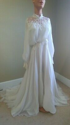 VINTAGE Romantic Long Sleeve White Pearl and Lace Embellished Wedding Dress