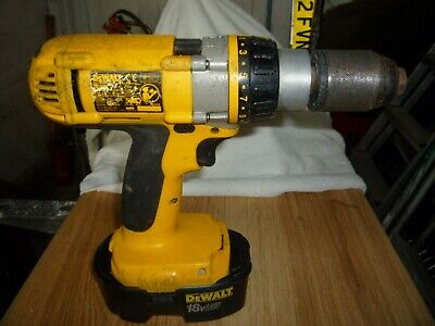 DeWALT 18v 3 Speed Cordless Hammer Drill with Battery