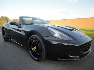 2010 Ferrari California FERRARI CALIFORNIA 2010 FERRARI CALIFORNIA NAV BUC HIGH MSRP TONS OF CARBON CLEAN CARFAX WE FINANCE