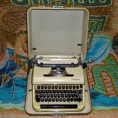 Vintage Cursive Font Olympia SM3 Deluxe Portable Typewriter w/Case - Works Great