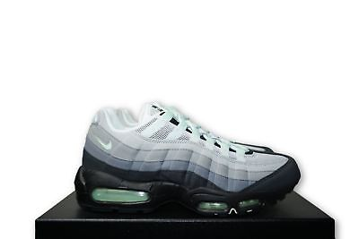 MINT GREEN NIKE Air Max Trainers Size 8 UK - EUR 28 34cdf24df