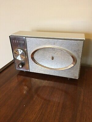 Zenith Tube Table Radio from 1964. Model J512. Mid-Century Design. Working.