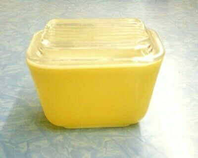 Vintage Yellow PYREX, Small Refrigerator 601 1 1/2 Cups W/ Clear Glass Lid