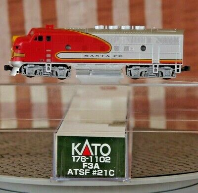 Kato - N Scale - AT & SF - Red Warbonet F3 Locomotive