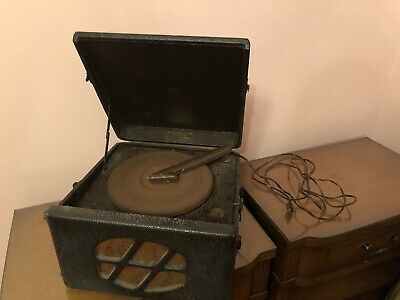 Antique Tune Master Electric Phonograph G15