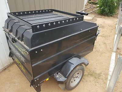 Luggage trailer, enclosed, excellent condition