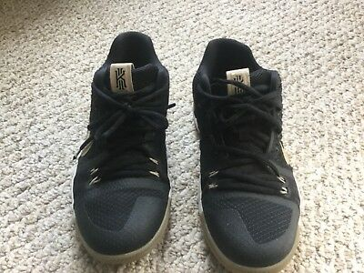 0c458370ccef NIKE KYRIE III 3 Boys Basketball Shoes Size 4.5Y -  5.99