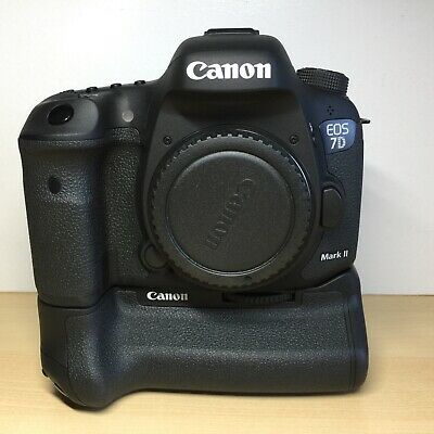 Canon EOS 7D Mark II (9128B002) 20.2MP DSLR Camera With Canon Battery Grip