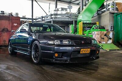 Nissan Skyline R33 GTR (4wd) V-spec2 Midnight Purple from 1995, original
