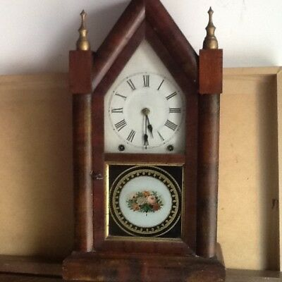Antique American mantle clock, good condition, + key Great condition