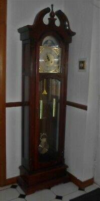 Lovely reproduction mahogany Grandfather clock, purchased 30 years ago ex cond