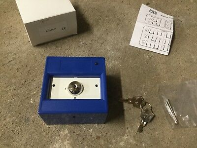 KAC K41SBS-11 Single Pole 2 Position Keyswitch in Blue *NEW OLD STOCK*