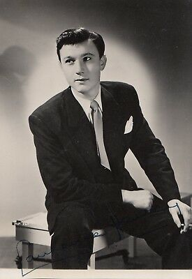 Laurence Harvey SIGNED autograph photo RARE