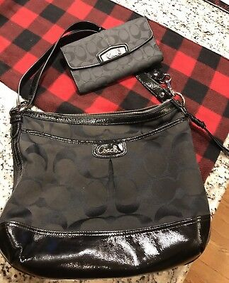 Coach Park Signature Duffel Black Style F19727, matching wallet, preowned, lot