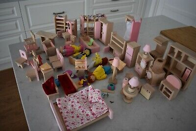Wooden Furniture Dolls House Family Miniature Dolls Sets Kids Children Wood
