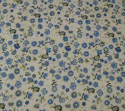Blue Des 49 Floral 100/% Cotton Prints Dress Craft Fabric 160cm Wide