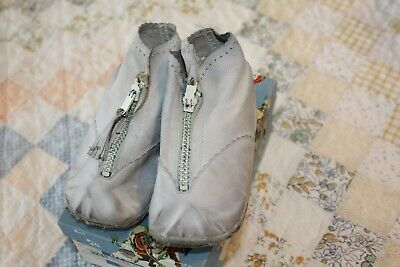 Vintage Buster Brown Baby Shoes Zipper Boot with Box