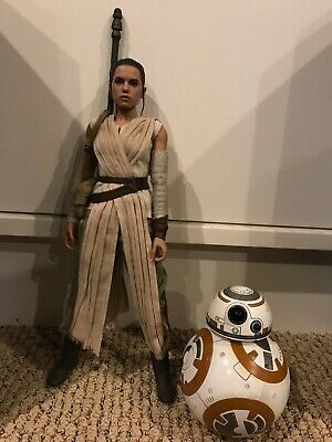 """Hot Toys Star Wars Force Awakens - Rey and BB-8 Set MMS337 12"""" 1/6"""