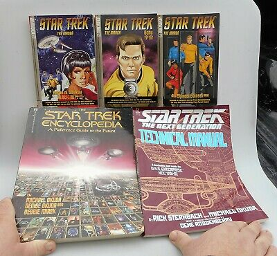 Lot of Star Trek Reference Guide, Technical Manual and Manga (English Version)