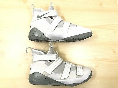 d71a70afc75 NIKE LEBRON SOLDIER XII 12 Boys Sz 7Y Mens 7 Shoes AA1352-001 Youth ...