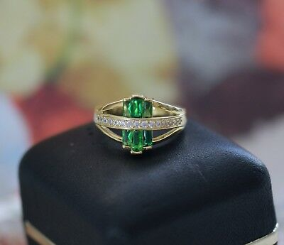 Vintage Jewellery Yellow Gold Ring Emerald and White Sapphires Antique Jewelry