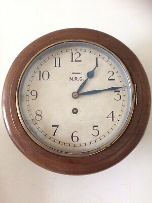 EARLY 20thC Oak STATION/OFFICE CLOCK WITH 8-DAY PLATFORM ESCAPEMENT MOVEMENT