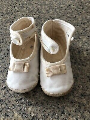 """Antique Vintage Victorian Ivory Leather Mary Jane Button Baby Doll Shoes 4"""""""