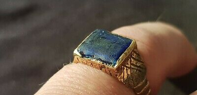 Exquisite stunning Tudor ring with blue glass sett. A must read description L404