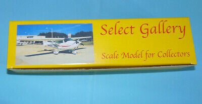 CESSNA C 172 R  N1482U Palm Beach training - 1/72 resin Kit Select Gallery 7228