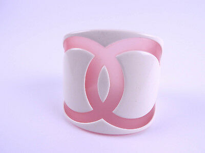 Auth CHANEL CC Logo Plastic Bangle Bracelet White Clear Pink 01P A16514 B-4547