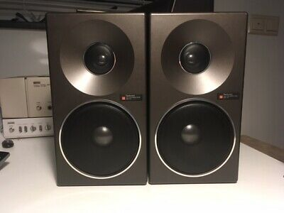 Technics SB-F2  (pair) black in very good optical and technical condition