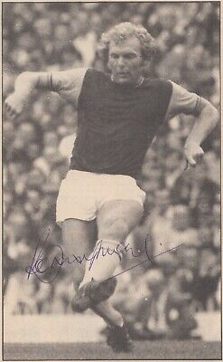 Bobby Moore SIGNED England 1966 World Cup West Ham 68 FA Cup 66 RARE card photo